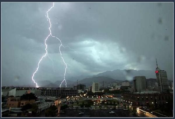 tormenta mty 30 de jul 09 el nte