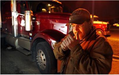 camionero fumando