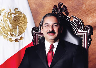 Natividad Gonzalez Paras, gobernador de NL 2003-2009